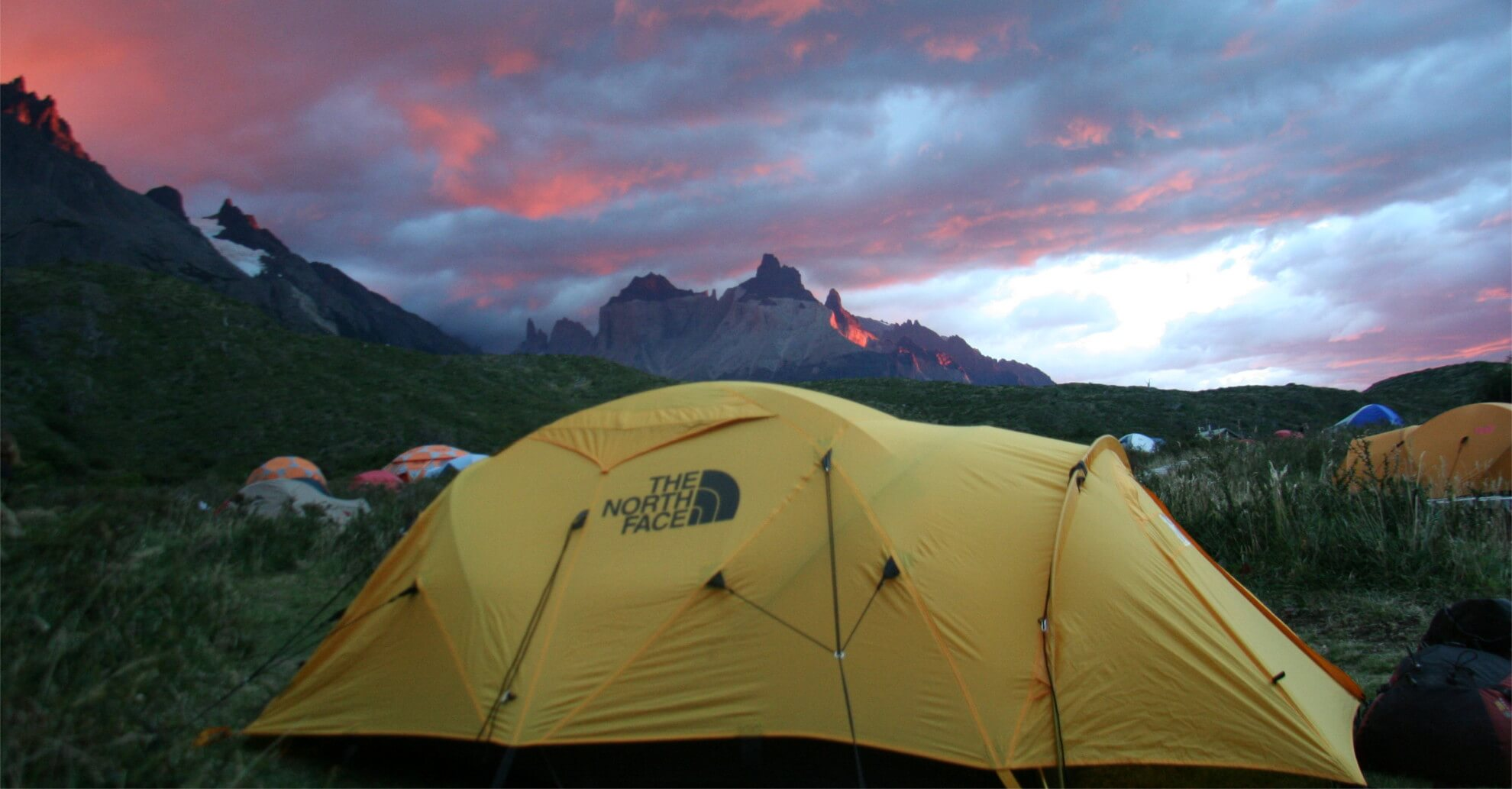 Niko's Two Adventure - Equipo Camping
